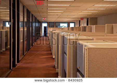 Zeilen der Kabinen In einem Büro