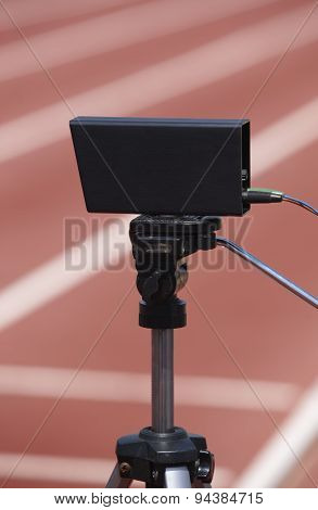Athletic Finish Line Photoelectric Cell Control Device And Running Track
