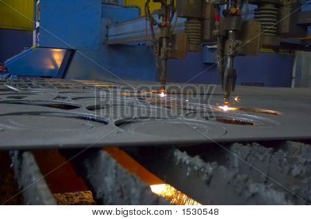 Machine For Cutting Steel Sheet