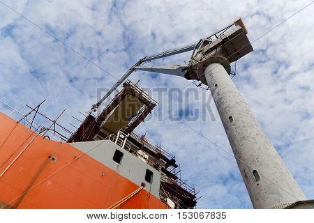equip new ship in shipyard, bottom view