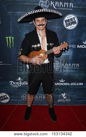 LOS ANGELES - OCT 22:  Casper Smart, aka Beau Smart at the 2016 Maxim Halloween Party at Shrine Auditorium on October 22, 2016 in Los Angeles, CA