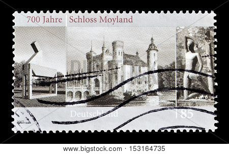 GERMANY - CIRCA 2007 : Cancelled postage stamp printed by Germany, that shows Castle Moyland.