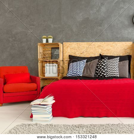 Red And Gray Bedroom Desin