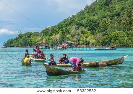 Semporna,Sabah-Sept 10,2016:Lifestyle of Sea Gypsy village In Semporna,Sabah.The Bajau Laut remain their nomadic lifestyle, traveling from island to island or city to city in search for fish & buyers