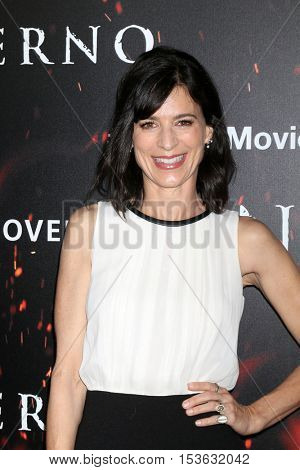 LOS ANGELES - OCT 25:  Perrey Reeves at the