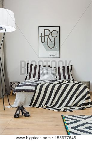 Bedroom With Pattern Bedding