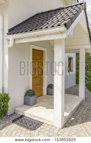 Bright House Entry
