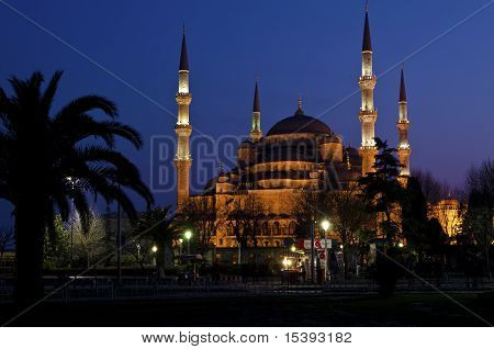 Night View Of Blue Mosque (sultanahmet Mosque)