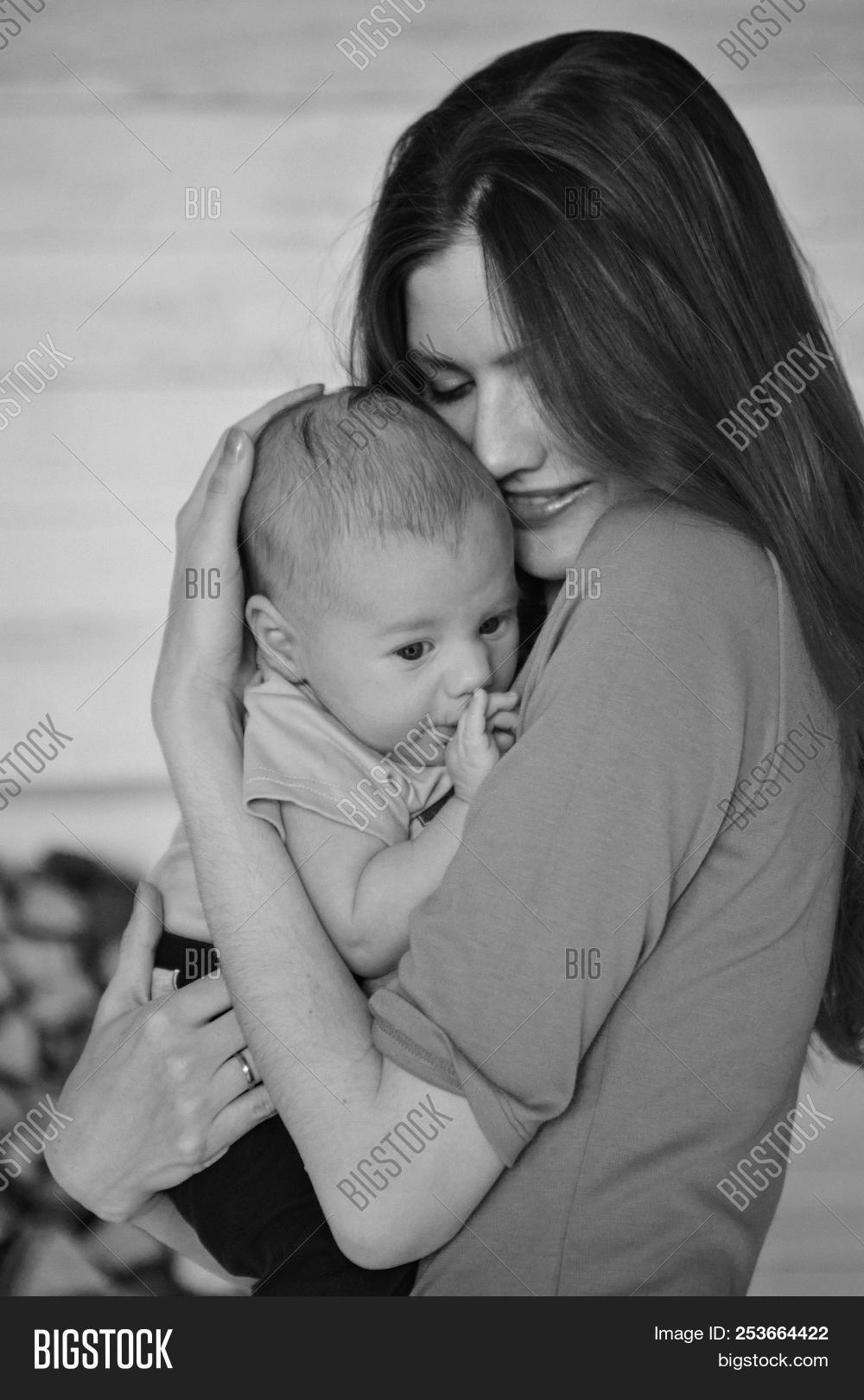 Black White Photo Mom Image Photo Free Trial Bigstock