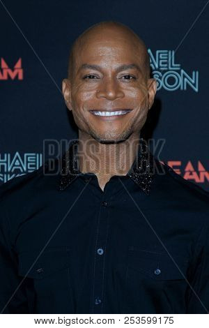 LOS ANGELES - OCT 24: Travis Payne at The Estate of Michael Jackson and Sony Music present Michael Jackson Scream Halloween Takeover at TCL Chinese Theatre IMAX on October 24, 2017 in Los Angeles, CA