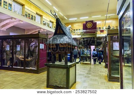 Saint Petersburg, Russia - January 2, 2018: Tourists In Museum Of Anthropology And Ethnography The K