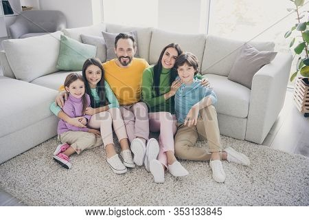 Top Above High Angle View Photo Of Loving Harmony Cozy Family Dad Daddy Mom Mommy Having Three Beaut