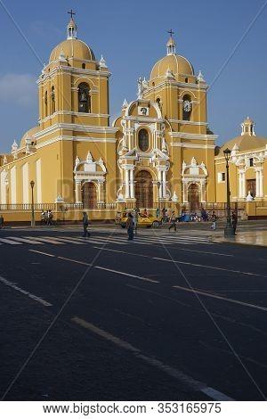 Trujillo, Peru - September 1, 2014: Colourful Colonial Era Buildings Around The Plaza De Armas In Tr