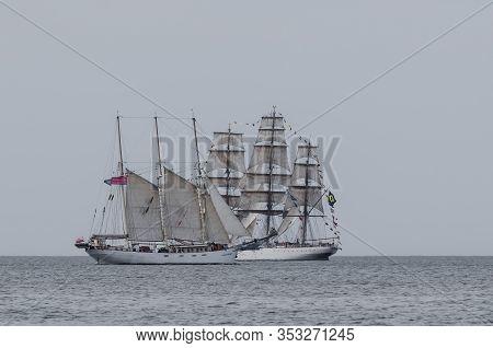 Swinoujcie, Baltic Sea / Poland - 2017: Brazilian Cisne Branco Frigate And Polish Kapitan Borchardt