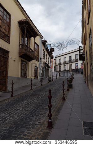 Typical Colonial Style Houses On Medieval Street Of Old Town La Orotava, Tenerife, Canary Islands. S