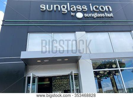 Orlando,fl/usa-2/17/20: A  Sunglass Hut Retail Store At An Outdoor Mall.  Sunglass Hut Is An Interna