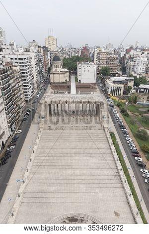 Rosario, Santa Fe / Argentina; Jan 4, 2017: Civic Courtyard And Triumphal Propylaeum Of The National