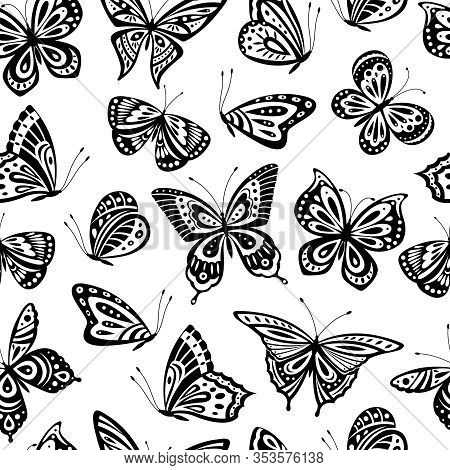 Butterflies Pattern. Romantic Flying Butterfly Seamless Texture. Abstract Beautiful Spring Wallpaper