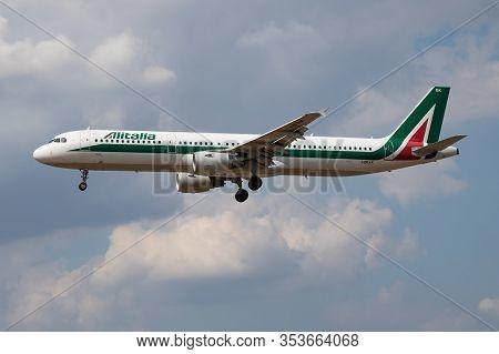 London / United Kingdom - July 14, 2018: Alitalia Airbus A321 I-bixk Passenger Plane Landing At Lond