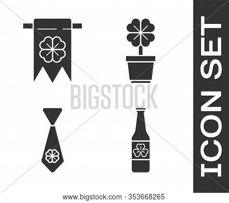 Set Beer Bottle With Four Leaf Clover, Four Leaf Clover And Party Pennant, Tie With Four Leaf Clover