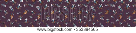 Hand Drawn Vector Daisy Summer Bloom Banner. Floral Motif Seamless Border Pattern. Pretty Vintage Br