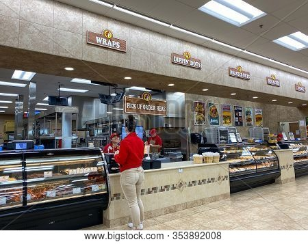 Houston, Tx/usa-2/25/20:  The Food Pick Up Order Counter At A Buc Ees.  The Buc Ees Gas Station, Fas