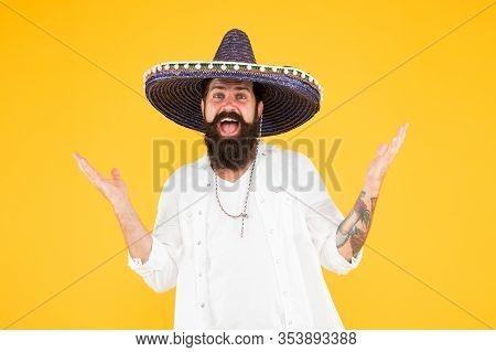 Happy Man Sombrero Souvenir Straw Hat. Plan Summer Vacation. Tourism Concept. Hipster Having Fun. En