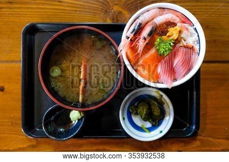Sashimi Set Menu Served Fresh Salmon, Salmon Eggs ,squid And Shrimp On Top, Sashimi Seafood Come Wit
