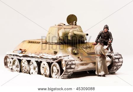 Halt of soviet t 34 tank crew