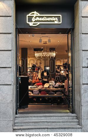 Stradivarius Store