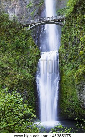 Northwest Pacific Waterfalls Within Oregon State