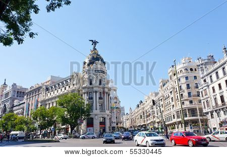 Metropolis building situated on representative Gran Via street