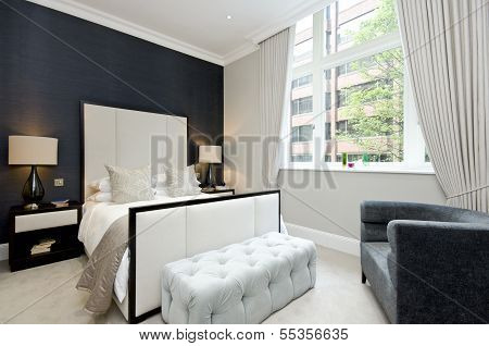 Contemporary Bedroom With King Size Bed With Luxury Designer Furniture