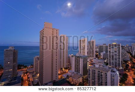 Hawaii skyline under the moonlight