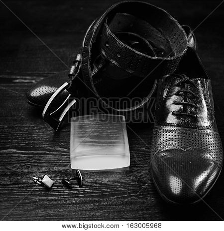 men shoes and belt in blackly white color