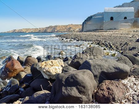 The Beach Near Exo Gialos In Santorini
