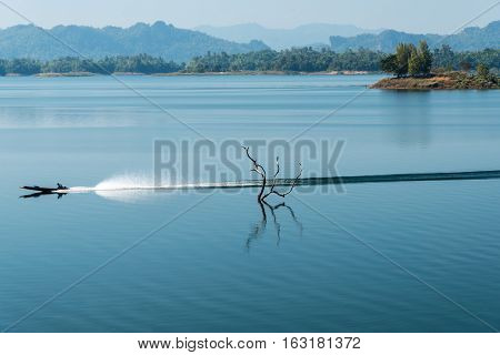 image of Speed boat on the river