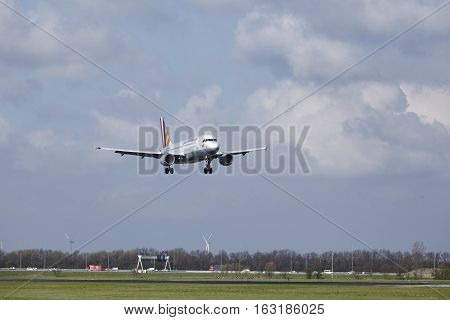 Amsterdam Airport Schiphol - Germanwings Airbus A319 Lands