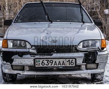Kazakhstan, Ust-Kamenogorsk, 15 december 2016: Lada Samara with broken front part, broken bumper