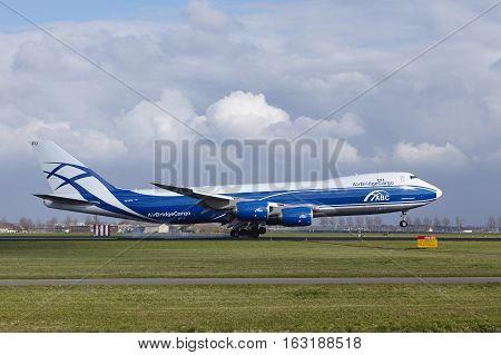 Amsterdam Airport Schiphol - Airbridge Cargo Boeing 747 Lands