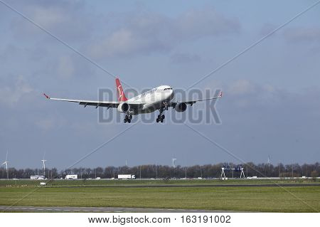 Amsterdam Airport Schiphol - Turkish Airlines Airbus A330 Lands