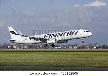 Amsterdam Airport Schiphol - Finnair Airbus A321 Lands