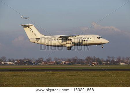 Amsterdam Airport Schiphol - Cityjet Avro Rj85 Lands
