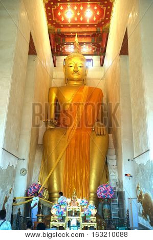 SUPHANBURI,THAILAND - DECEMBER 11,2016 : A huge seated Buddha image named Luang Pho To