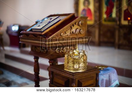 altar and crown, yellow gold crown is in the Church, the Christian religion