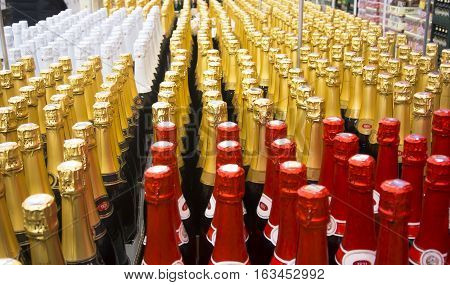 Shop. Sale of champagne and sparkling wines in a large number before holidays.