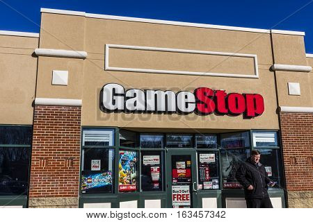 Lafayette - Circa December 2016: GameStop Strip Mall Location. GameStop is a Video Game and Electronics Retailer IV