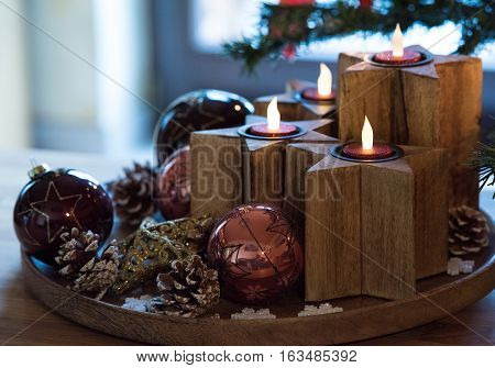 Wooden Stars Advent wreath with electric candles