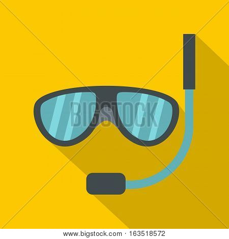 Swimming mask icon. Flat illustration of swimming mask vector icon for web
