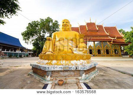 Buddha image Phra Sang Gun Jai statue in Mae sot, Tak, Thailand